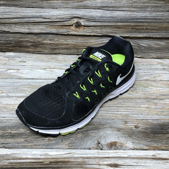 Nike Shoes - Nike Women's Zoom Vomero 9 Running Shoes 8.5